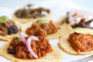 130611-Guisados-Tacos-chorizo-taco