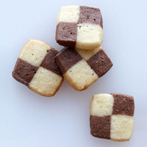 54f0e4170a3d7_-_black-white-checkerboard-cookies-recipe-lg